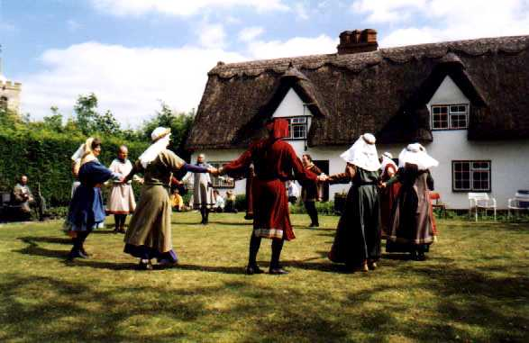 Traditional Dance Of France Information http://www.mjtr.de/capriol/edance.html